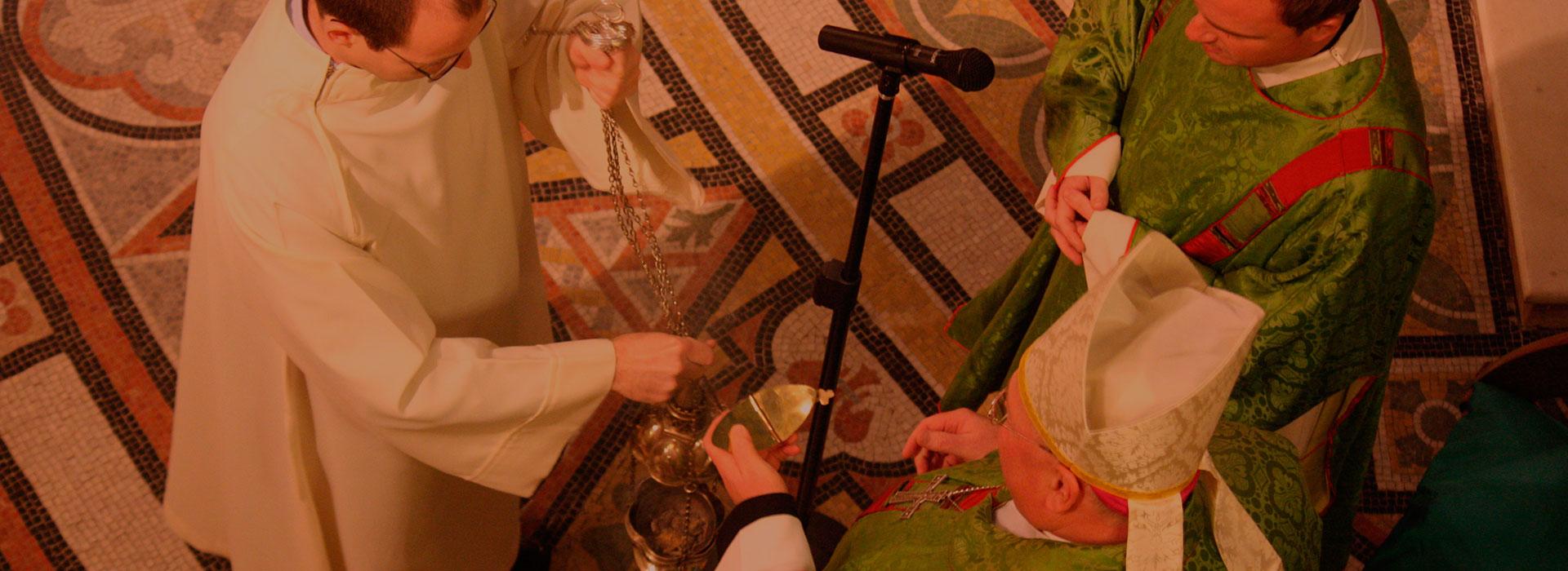 <center>Actividades y Fiestas Religiosas</center>