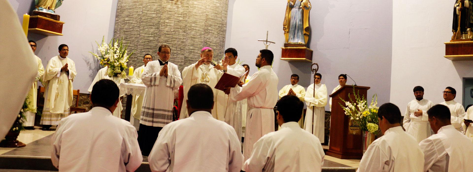 <center>Ordenación Diaconal <br> 24 de noviembre</center>